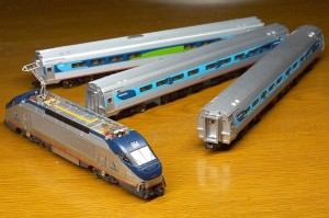 Bachmann HHP-8 Amtrak model with Amfleets