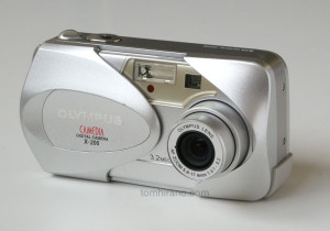Camedia X-200