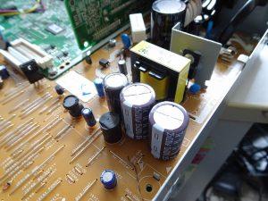 電解コンデンサー交換